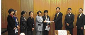 鳩山総理は「男女共同参画社会」に意欲的